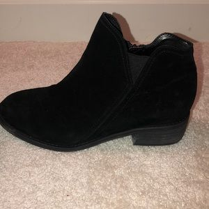 Blondo Shoes - Black booties